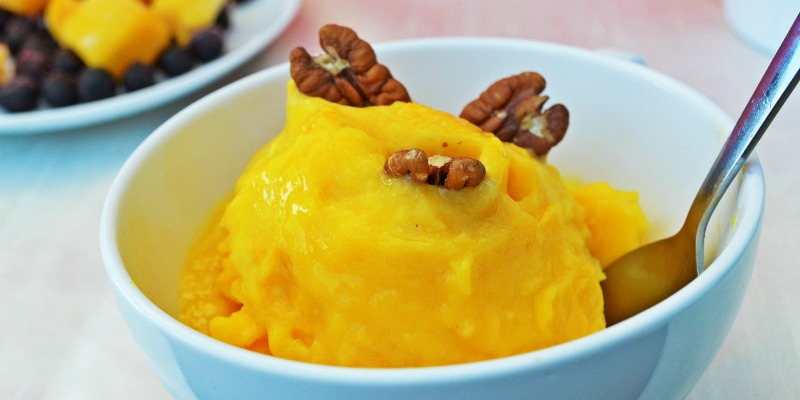 Instant Mango Ice Cream with Turmeric to Reduce Pain and Inflammation